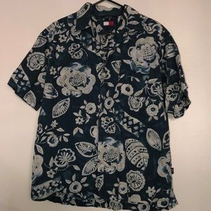 Tommy hilfiger botton up Hawaiian shirt